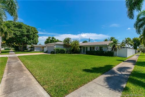 Photo of Hollywood, FL 33021 (MLS # A11081835)