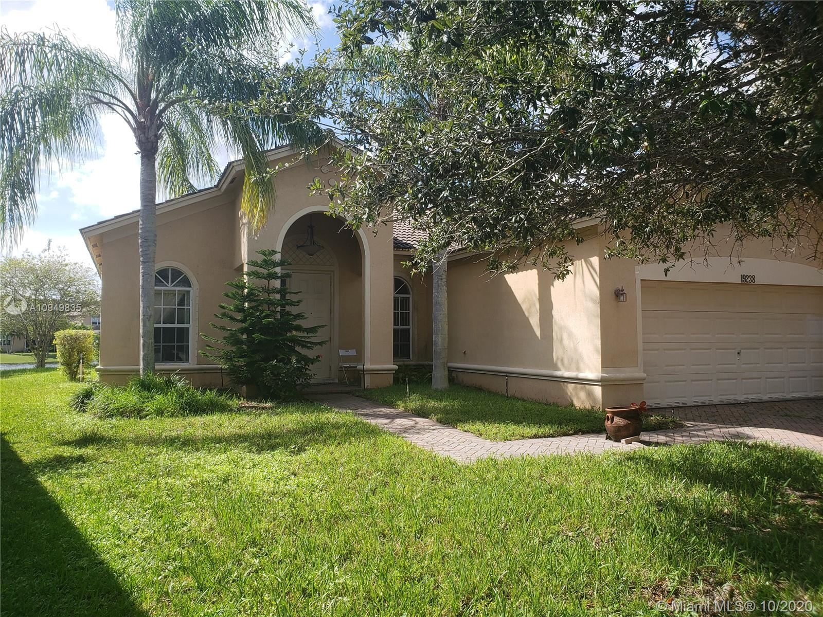 19238 Crystal St, Weston, FL 33332 - #: A10949835