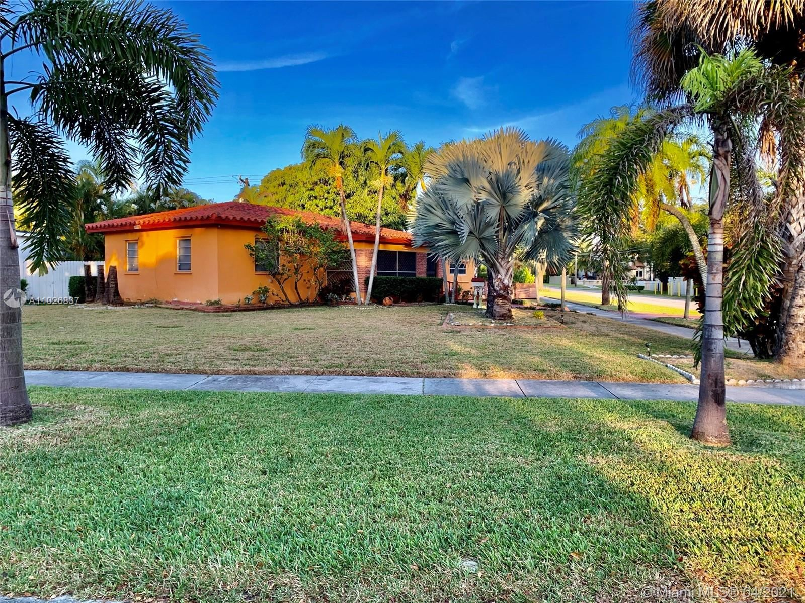 600 Forrest Dr, Miami Springs, FL 33166 - #: A11026837