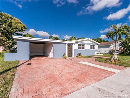 Foto de inmueble con direccion 521 NE 177th St North Miami Beach FL 33162 con MLS A10861838