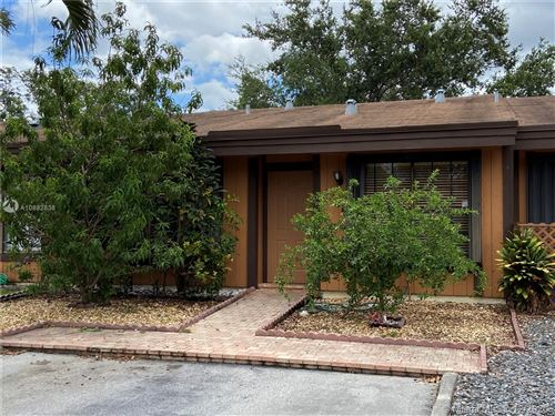 Photo of Listing MLS a10882838 in 2331 Elm Ct Pembroke Pines FL 33026