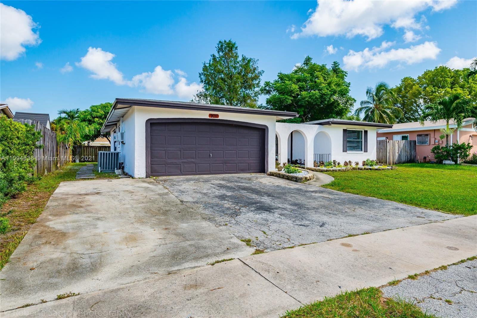 9011 NW 19th St, Pembroke Pines, FL 33024 - #: A11094838