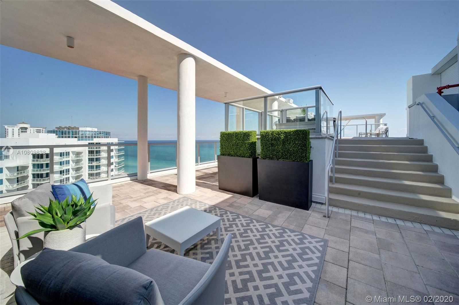 Photo 4 of Listing MLS a10809838 in 3737 Collins Ave #PH-4 Miami Beach FL 33140