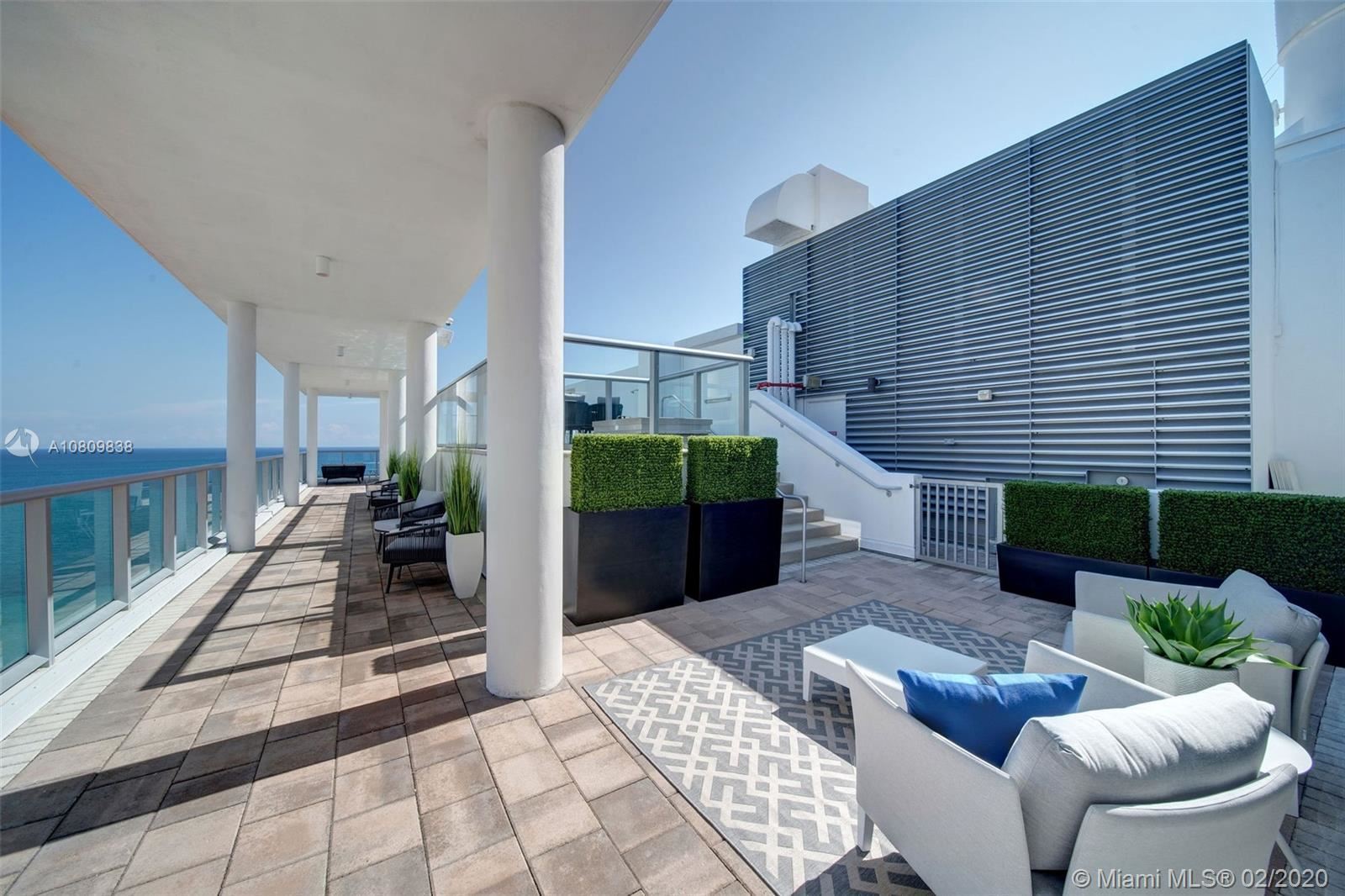 Photo 5 of Listing MLS a10809838 in 3737 Collins Ave #PH-4 Miami Beach FL 33140