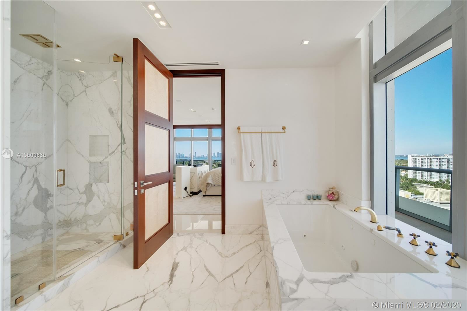 Photo 20 of Listing MLS a10809838 in 3737 Collins Ave #PH-4 Miami Beach FL 33140