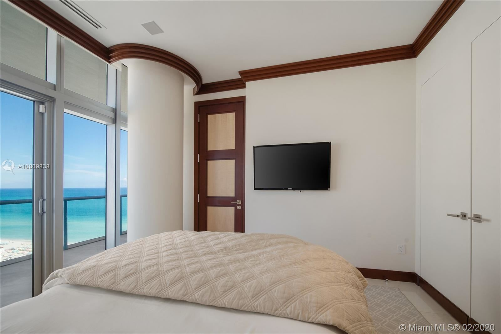 Photo 23 of Listing MLS a10809838 in 3737 Collins Ave #PH-4 Miami Beach FL 33140