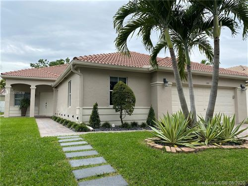 Photo of 1541 Elm Grove Rd, Weston, FL 33327 (MLS # A10903839)