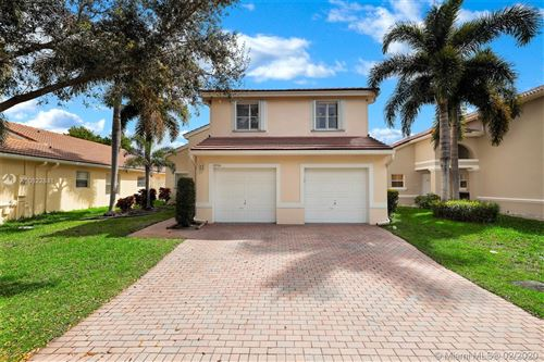 Photo of Listing MLS a10822841 in 4936 SW 33rd Ter Hollywood FL 33312