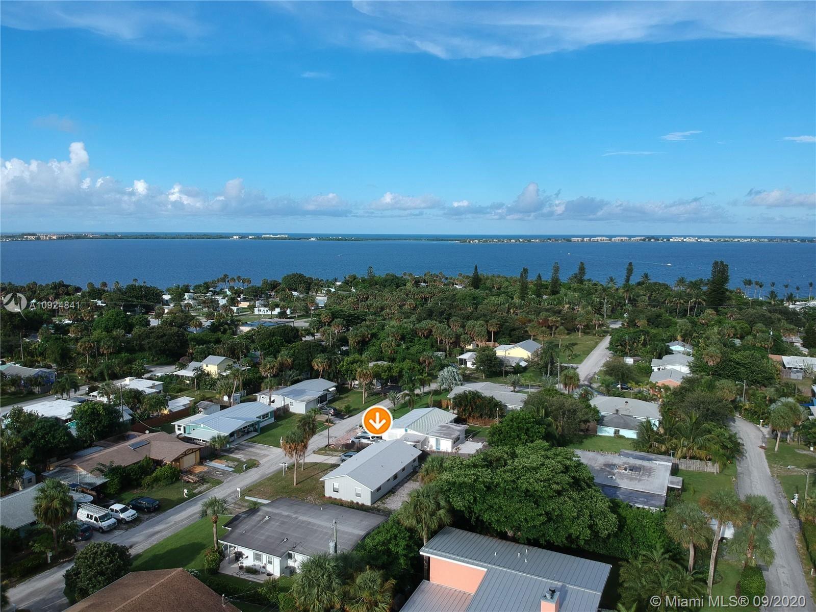 2372 NE Center Circle, Jensen Beach, FL 34957 - #: A10924841