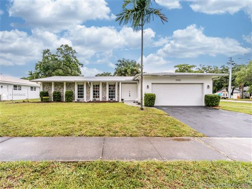Photo of Listing MLS a10858842 in 3301 N Hills Dr Hollywood FL 33021