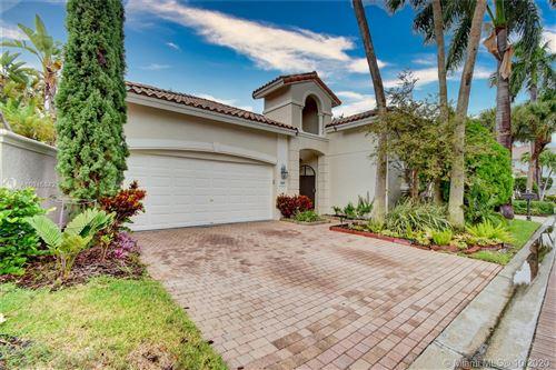 Photo of 1530 Shoreline Way, Hollywood, FL 33019 (MLS # A10945842)