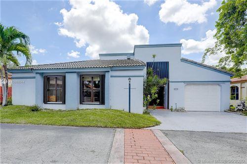 Photo of 422 SW 88th Pl, Miami, FL 33174 (MLS # A10868844)