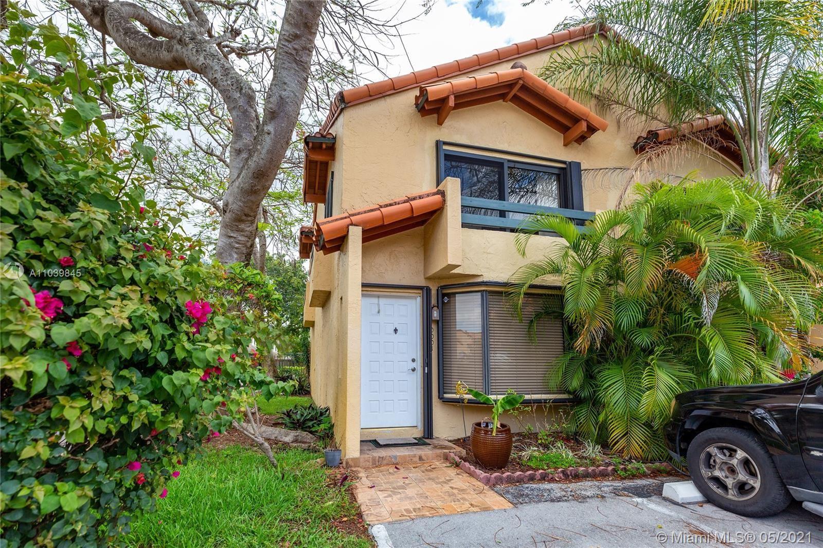 Photo of 10001 SW 77 CT #10001, Miami, FL 33156 (MLS # A11039845)