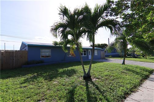 Photo of Listing MLS a10886846 in 2031 SW 50th Ave Fort Lauderdale FL 33317