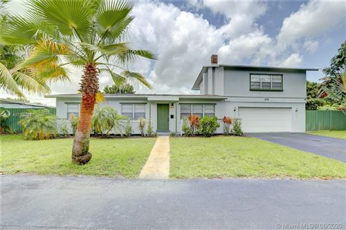 Photo of 2725 NE 3rd Ave, Wilton Manors, FL 33334 (MLS # A10862847)
