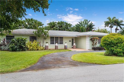 Photo of 16902 SW 86th Ave, Palmetto Bay, FL 33157 (MLS # A10818850)