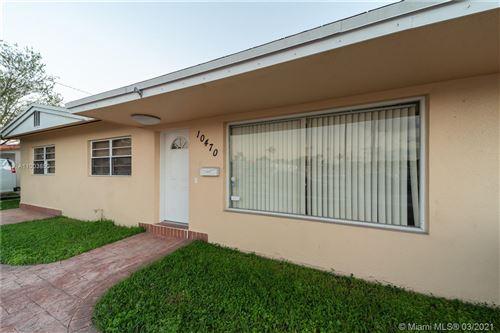 Photo of 10470 SW 40th St, Miami, FL 33165 (MLS # A11003850)