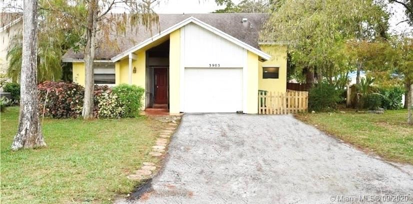 3903 NW 72nd Ln, Coral Springs, FL 33065 - #: A10924850