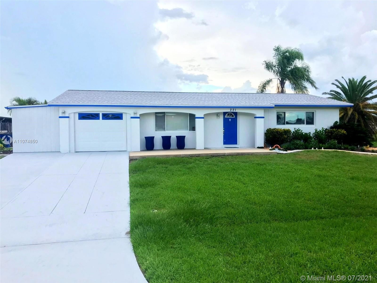 221 Redcliff, Lehigh Acres, FL 33936 - #: A11074850