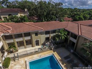 Photo of 125 Edgewater Dr #4, Coral Gables, FL 33133 (MLS # A10717851)