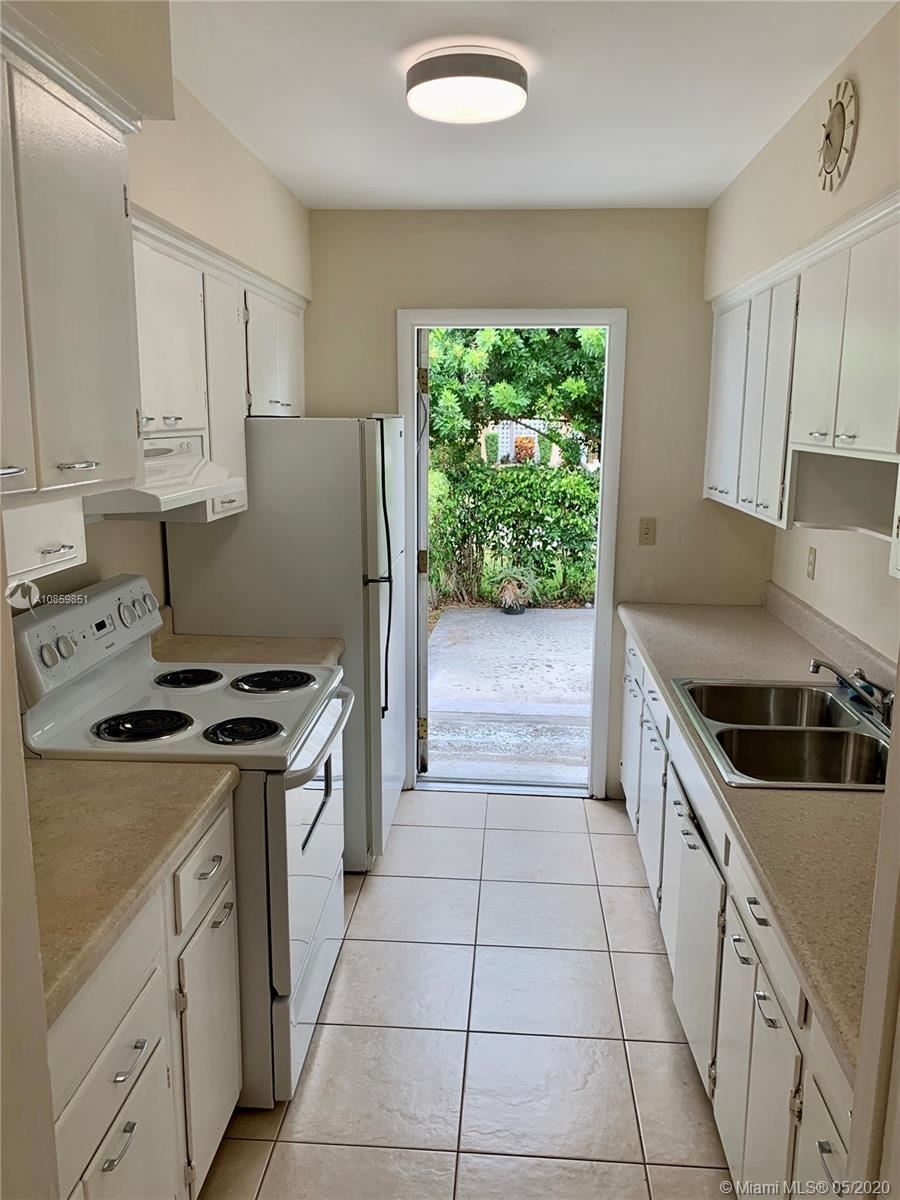 Photo of 5550 NE 20th Ter #1, Fort Lauderdale, FL 33308 (MLS # A10859851)