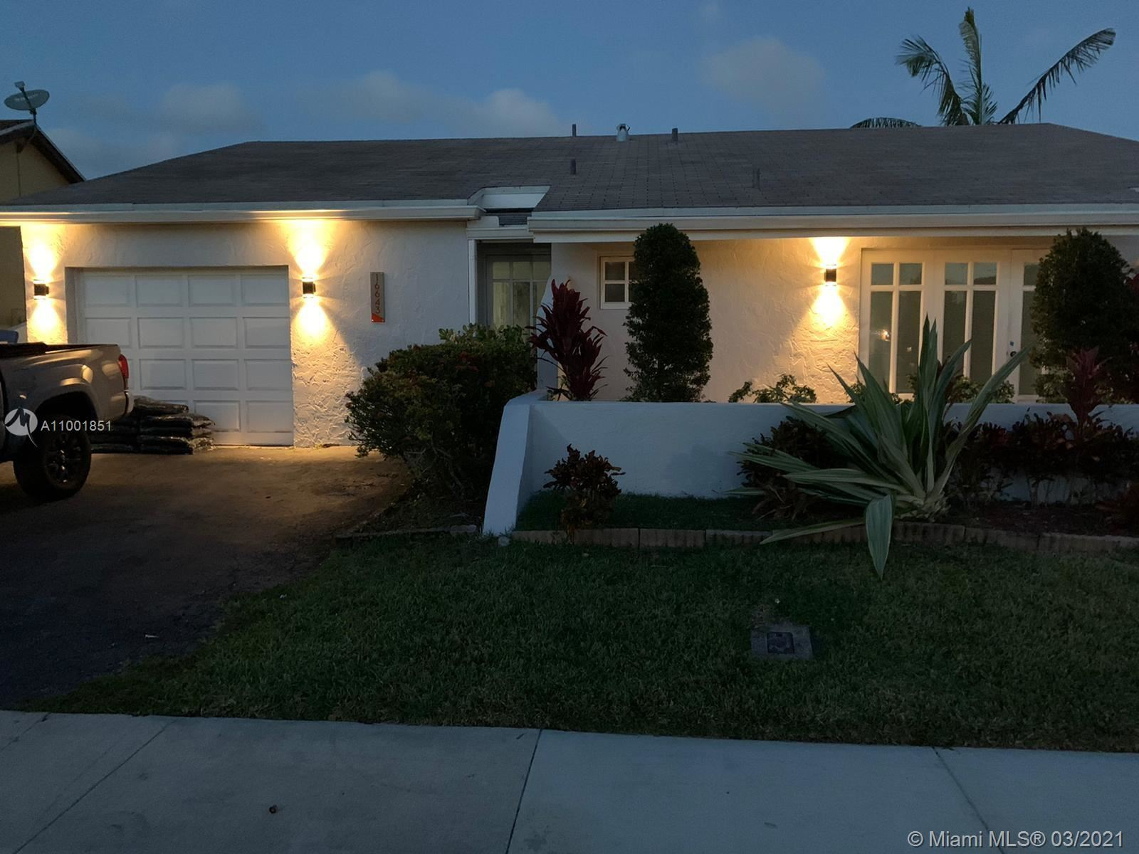 Photo of 16643 Redwood Way, Weston, FL 33326 (MLS # A11001851)