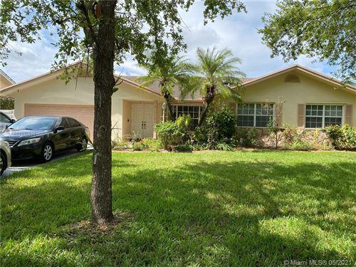 Photo of Miami, FL 33186 (MLS # A11042853)