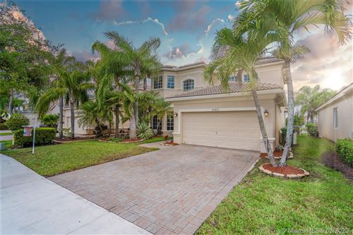 Photo of Listing MLS a10836856 in 19407 SW 65th St Pembroke Pines FL 33332