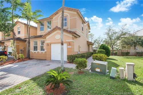 Photo of 11454 NW 76th Ter #0, Doral, FL 33178 (MLS # A10801857)