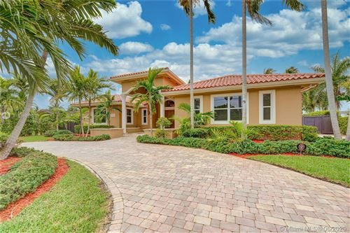 Photo of 11390 SW 30th St, Miami, FL 33165 (MLS # A10869857)