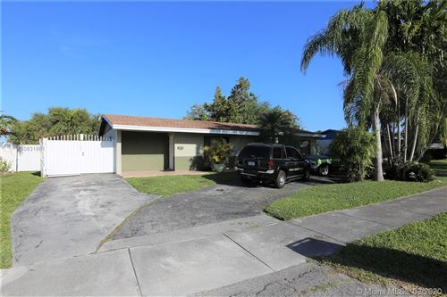 Photo of Listing MLS a10831861 in 2670 SW 119th Ct Miami FL 33175