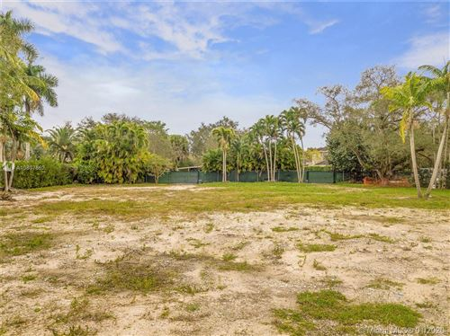 Photo of Listing MLS a10807862 in 9840 SW 60th Ct Pinecrest FL 33156