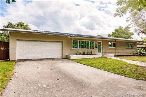 Photo of 15445 SW 88th Ave, Palmetto Bay, FL 33157 (MLS # A10943862)
