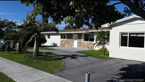 Foto de inmueble con direccion 10353 Caribbean Blvd Cutler Bay FL 33189 con MLS A10941863