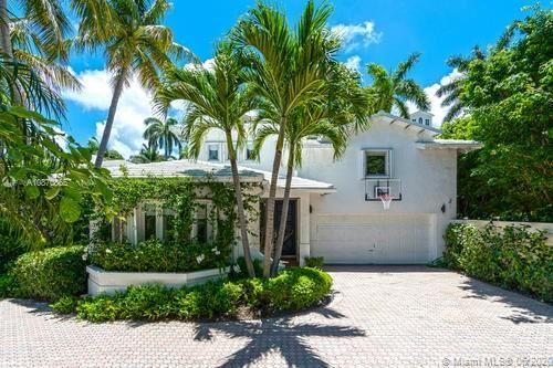 Photo of 10 Coconut Ln, Key Biscayne, FL 33149 (MLS # A10870865)