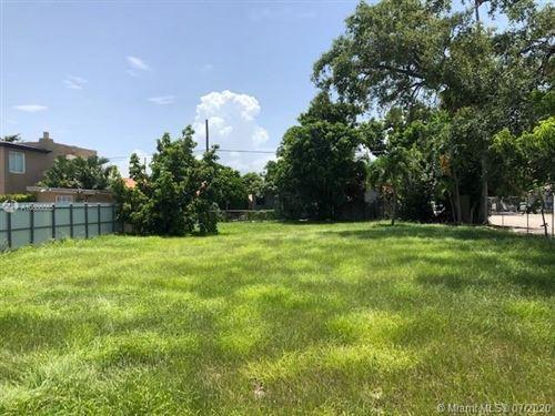 Foto de inmueble con direccion 1000 SW 12th Ave Miami FL 33135 con MLS A10886865
