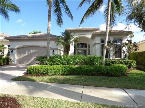 Photo of 314 Vizcaya Dr, Palm Beach Gardens, FL 33418 (MLS # A10787866)