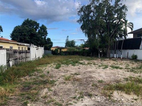 Photo of 3266 SW 25th Ter, Miami, FL 33133 (MLS # A10889866)
