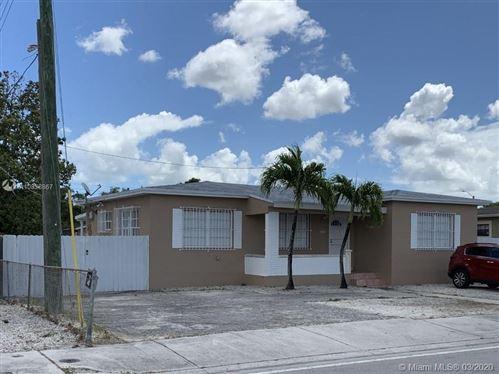 Foto de 9015 NW 32nd Ave, Miami, FL 33147 (MLS # A10838867)