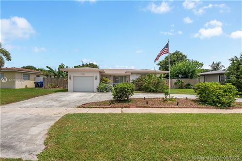 Photo of 7431 Eaton St, Hollywood, FL 33024 (MLS # A10879868)