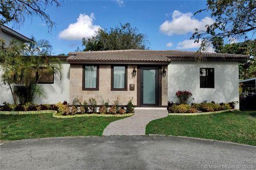 Foto de inmueble con direccion 281 Pocatella St Miami Springs FL 33166 con MLS A10848869