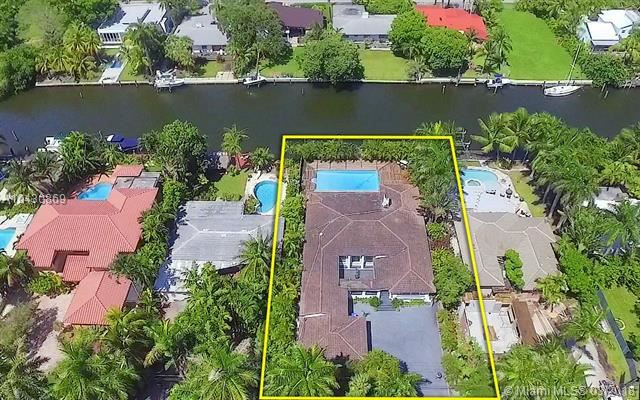 Photo 2 of Listing MLS a10430869 in 1025 Belle Meade Island Dr Miami FL 33138