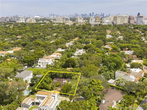 Photo of 737 Minorca Ave, Coral Gables, FL 33134 (MLS # A10927870)