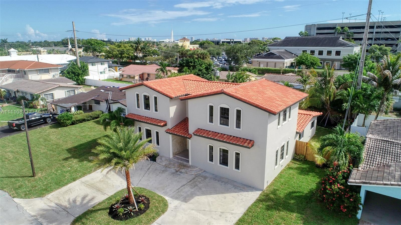 Photo of 4860 NE 18th Ter, Fort Lauderdale, FL 33308 (MLS # A11110873)