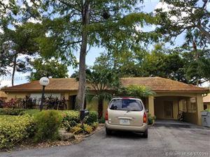 Photo of 1122 W Cypress Dr #V-12, Pompano Beach, FL 33069 (MLS # A10503874)