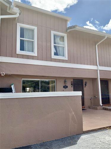 Foto de inmueble con direccion 4357 Coral Springs Dr #1C Coral Springs FL 33065 con MLS A10745874