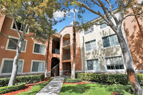 Photo of Listing MLS a10807874 in 6831 SW 44th St #305 Miami FL 33155