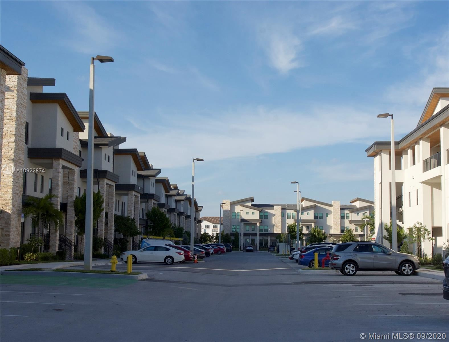 Photo of 10437 NW 82nd St #36, Doral, FL 33178 (MLS # A10922874)