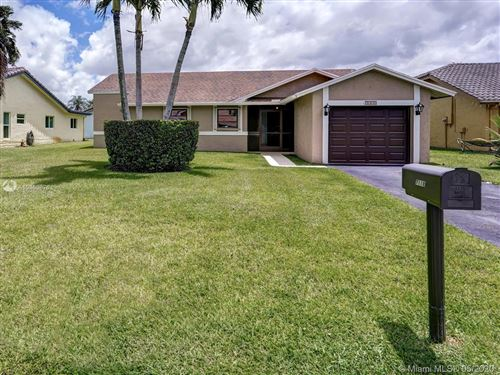 Photo of Listing MLS a10860876 in 7118 NW 107th Ave Tamarac FL 33321