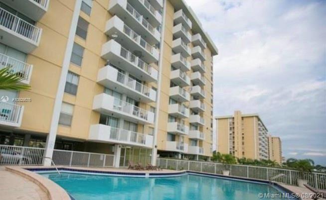 Photo of 2000 NE 135th St #910, North Miami, FL 33181 (MLS # A10929876)